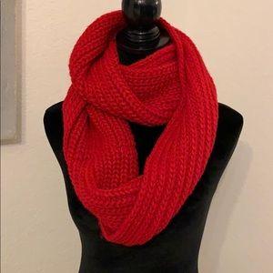 Abercombie's scarf